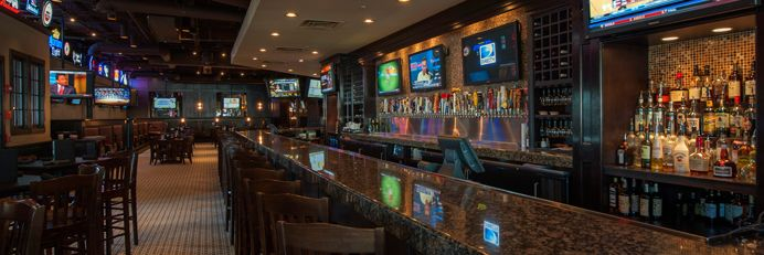 "Enjoy all your favorite games including UFC, boxing and a whole lot more huge selection of tv's. Enjoy the most delicious food in Atlanta including burgers, steaks, sea foods, and a huge draft beer selection. Visit the best sports bar in Atlanta ""Hudson Grille"" now and enjoy all the upcoming UFC matches."