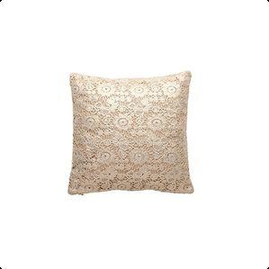 Cozy Living - Brodert Pute - Golden Lace. Gjør stuen eller soverommet enda flottere med denne eksklusive puten fra Cozy Living.