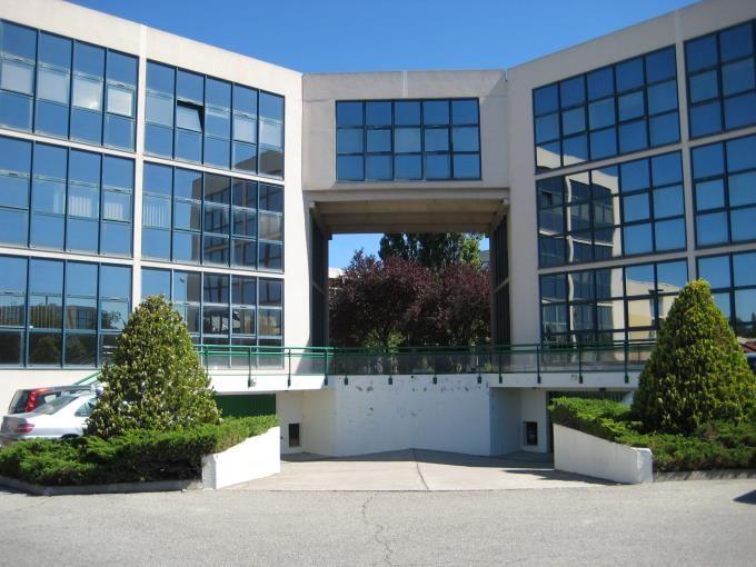 Location Bureaux 2480 m² divisibles