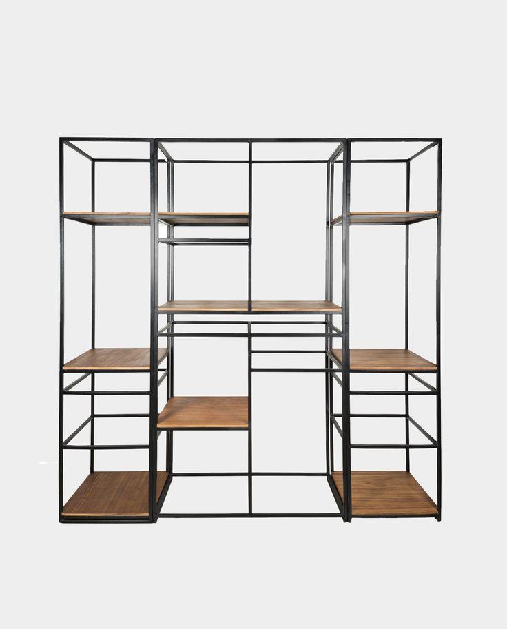 El librero Romina es un clásico de Atelier, su naturaleza modular permite llenar una pared o solo un rinconcito. El librero esta fabricado con perfil metálico y entrepaños de chapa parota.