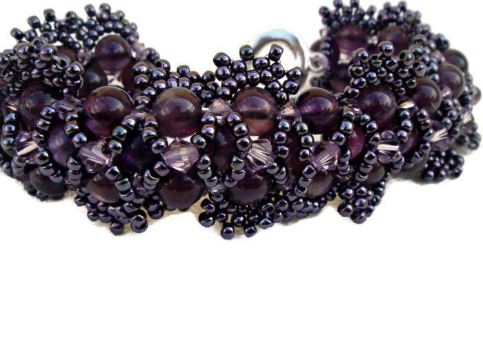 Bracelet avec des perles améthystes et Swaro en lila : Bracelet par barcelonaibizacolors