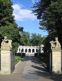 Am Märchenbrunnen (fairy tale fountain) at the volkspark friedrichshain