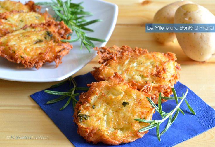 Le frittelle di patate costituiscono uno fra i più deliziosi sfizi rustici che esistano nella cucina italiana. Sono ottime da mangiare come antipasto