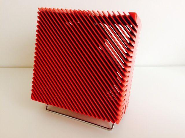 """Marco Zanuso voor Vortice - Ariante tabel fan  Marco Zanuso ontwerp voor Vortice-Made in ItalyLucht fan tafelmodel ArianteBouwjaar: 1973 (dit is een zeldzame eerste editie gemarkeerd met etiket en code """"5-73"""").Een van de meest iconische ontwerp item ooit geproduceerd... niet nodig een heleboel woorden...Dit is onderdeel van de permanente collectie van MOMA Museum of Modern Art van New York.Gepubliceerd op elk ontwerp boek zoals bijvoorbeeld """"L'Utopie du Tout plastique"""" (zie…"""