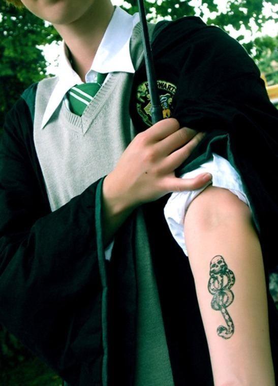 Tatuajes de Harry Potter | la marca tenebrosa de los mortífagos - Tendenzias.com
