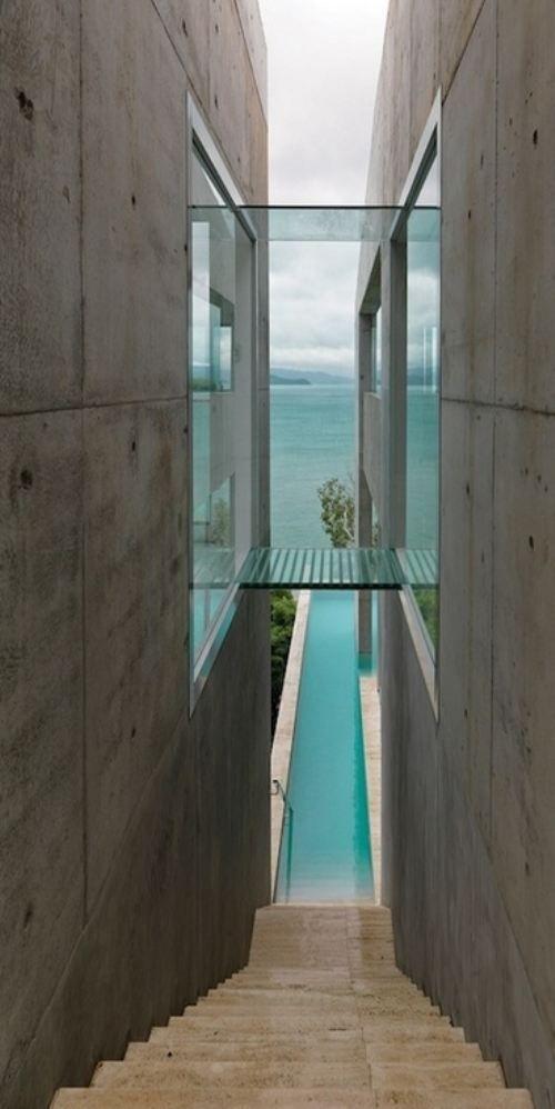 escaliers de piscine