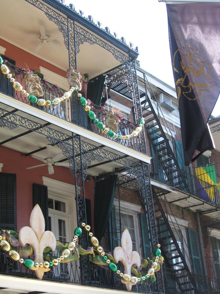 Mardi Gras decorations, NolaGras Decorations R, Mardi Parties, Mardi Gras Buckets, Louisiana, Gras Festivals, Celebrities Mardi, Mardigras, Gras Buckets Lists, Beads Garlands