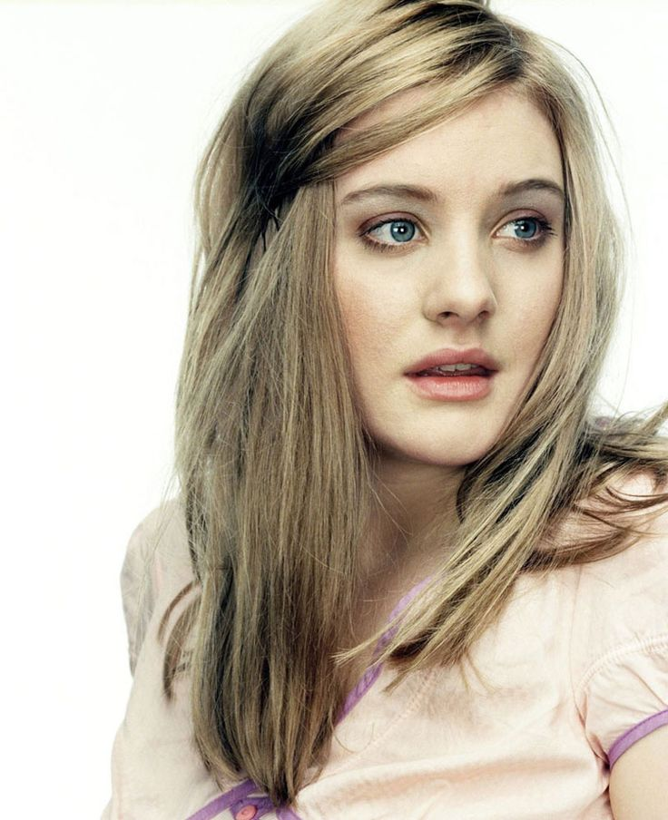 Romola Sadie Garai (born 6 August 1982) is a British actress and model. Description from peerie.com. I searched for this on bing.com/images