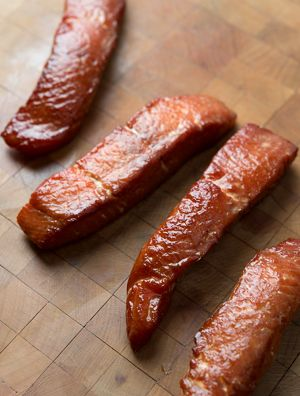 Smoked salmon candy recipe. Salmon candy is basically crack - one of the best homemade road foods you can eat. Recipe on http://honest-food.net