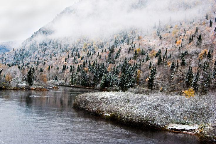 La féerie des premières neiges au parc national de la Gaspésie :