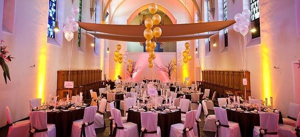 Kloster Johannisberg - Top 20 Hochzeitslocation Frankfurt #top #hochzeit #location #hochzeitslocation #top40 #frankfurt #weiß #romantik #chic #feiern #romantisch #wedding #special #bouquet #bride #groom #bridal
