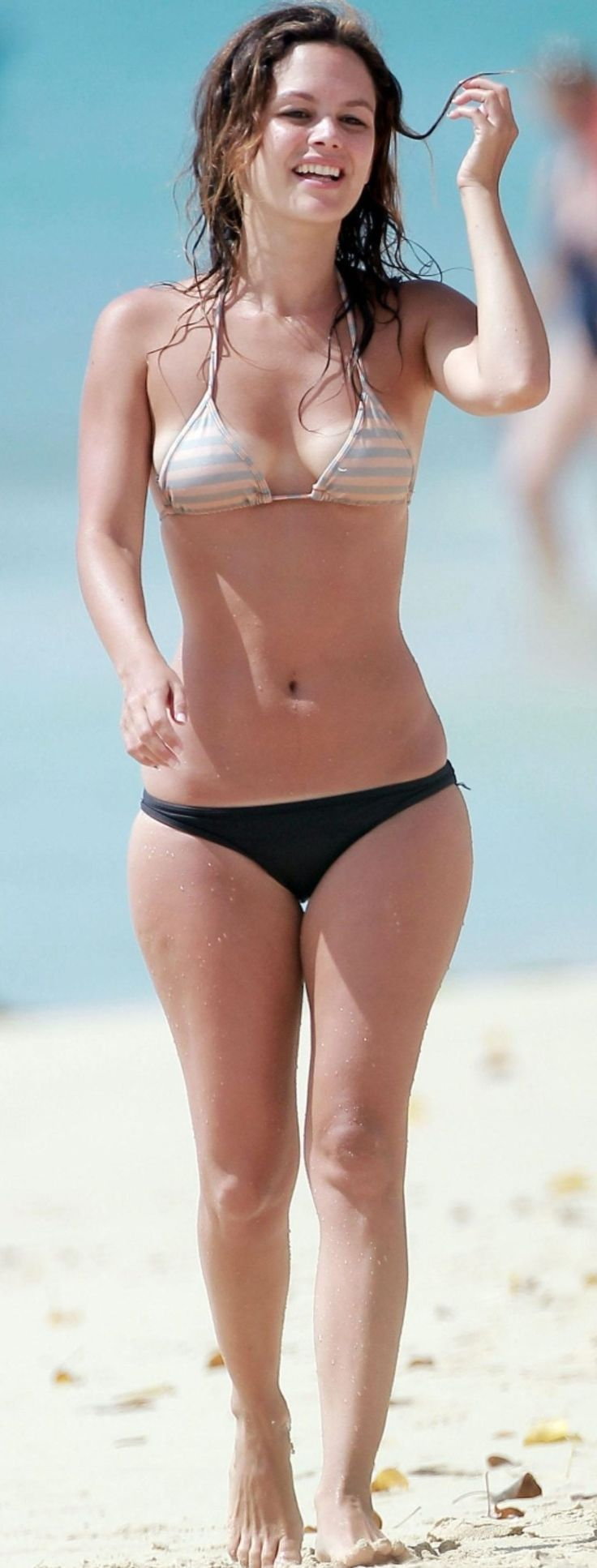 Rachel mcadams bikini