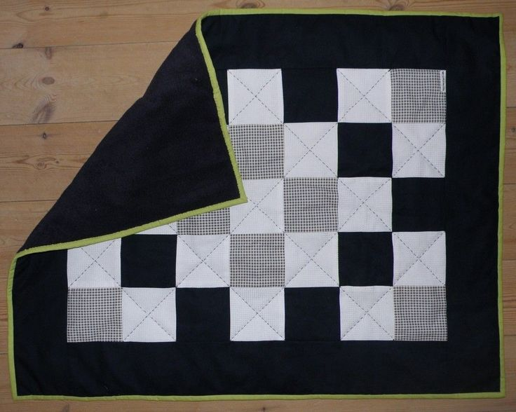 Babytæppe i patchwork via Silverfern. Click on the image to see more!