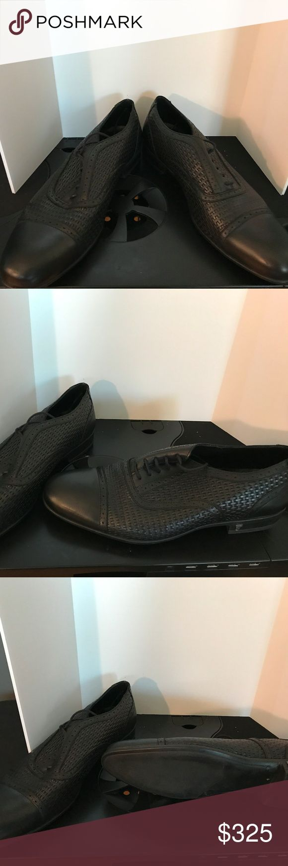 """Versace Collection Versace Collection Black Leather Tie-ups Oxfords, """"No Box"""". Men size 8 and Women size 9/9.5 Versace Collection Shoes Oxfords & Derbys"""