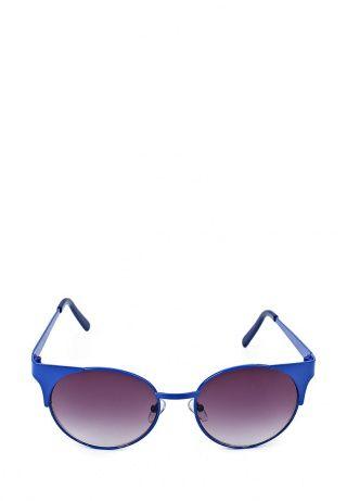 Ультрамодные солнцезащитные очки от River Island. Модель выполнена из металла ярко-синего цвета. Детали: круглые черные линзы с градиентным покрытием. http://j.mp/1rEU7YC