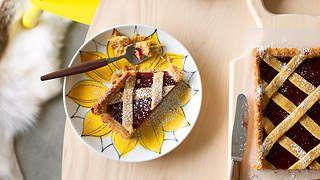 Linzer torte recipe : SBS Food