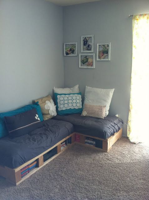 """a pretty day: """"Pallet Couch"""""""