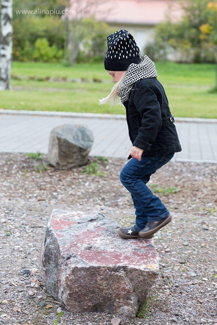 Sade hat, Tiili tubular scarf  www.alinapiu.com