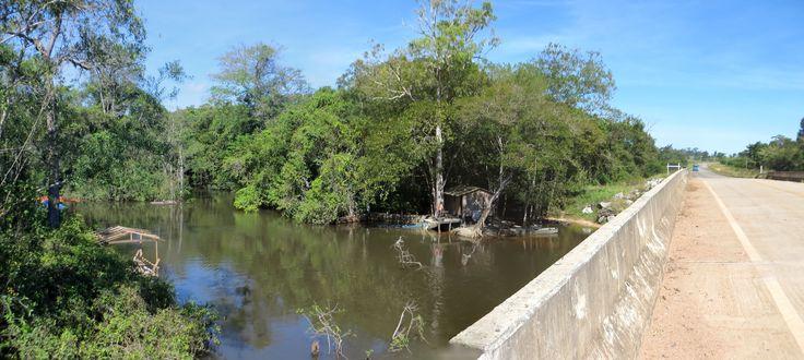 Rio Santa Helena e MT206, entre Paranaita e Alta Floresta, MT, Brasil