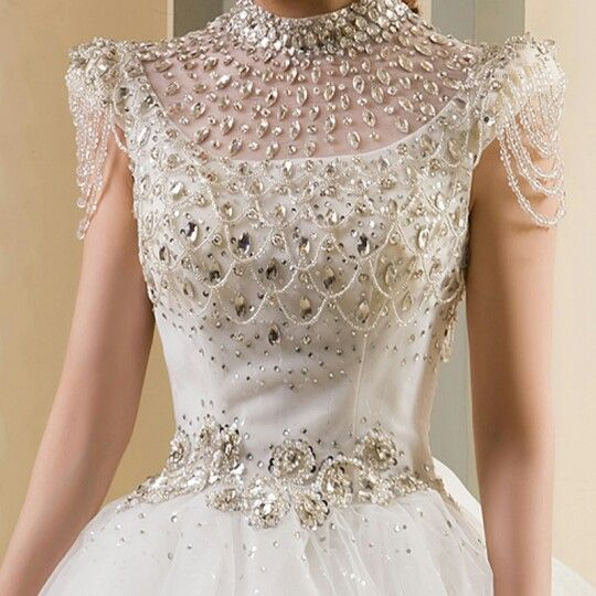 $12million wedding dress  by Renee Strauss ... Diamonds are a girls best friend 💎💎💎