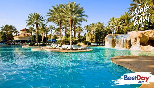Ya sea que nos visite por negocios o placer, o si planea realizar una reunión, el JW Marriott Las Vegas Resort and Spa se especializa en brindarle todo lo necesario para que su viaje se convierta en un éxito. Este magnífico hotel yace sobre 23 hectáreas parquizadas colmadas de exuberantes jardines y diseño mediterráneo. #OjalaEstuvierasAqui