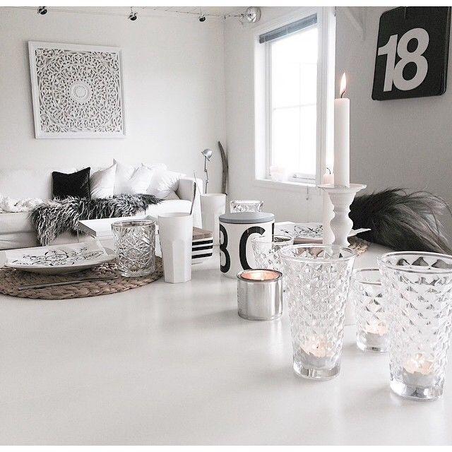 {table setting}  #tablesetting #kjøkken #kitchen #myhome #interiør #interior #whitehome #whiteinterior #tinek #tinekhome #designletters #ikea #ahlens #carve #affari #veggdekorasjon #bonytt #bobedre #boligdrom #interiørmagasinet #interior_magasinet #vakrehjemoginteriør #skandinaviskehjem #scandicinterior #interior4all #interior123 #inspirasjonsguidennorge #interiorforinspo #boligplussminstil #villsaueskinn