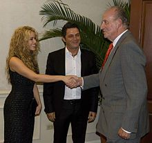 Shakira with the king of Spain during the IberoAmerican Summit of El Salvador