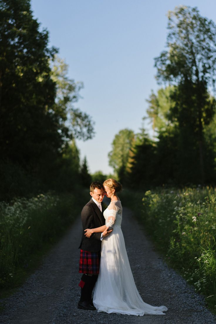 Scottish wedding tradition, Real wedding  by Scotland wedding photographer Julia Lillqvist | Jenny and Richard | Scottish Country Wedding | http://julialillqvist.com