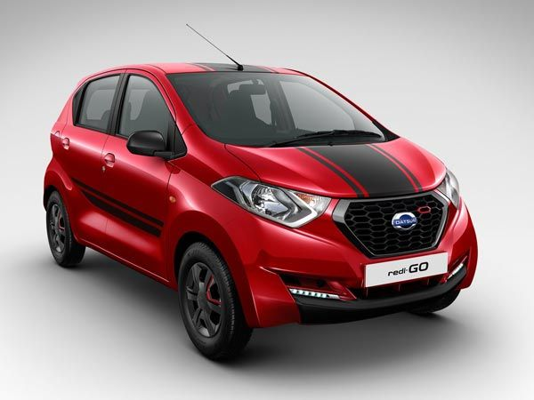 Red Accent on #FrontGrille and #WheelCover #Datsun #RediGO Sport #ShaktiNissan : https://goo.gl/2n7riV #ShowRoom in #NaviMumbai #MyCar #Drive #NissanCar