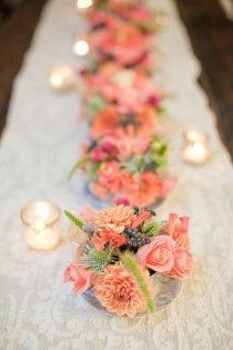 bridal table arrangement - flowers in teacups