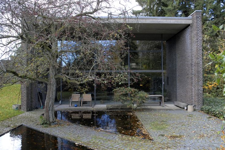 At home: architect Knud Holscher
