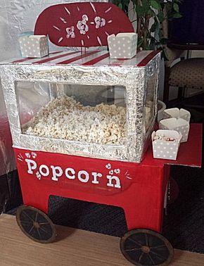 Popcorn verkoopstalletje van wel anderhalve meter hoog. Een mooie grote surprise!