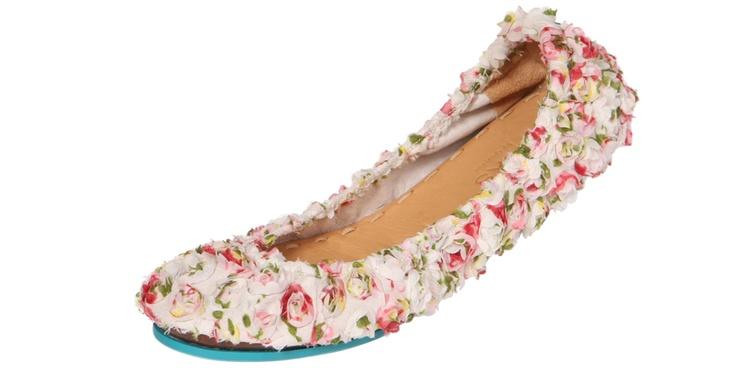 Rose Garden by Teiks.  I want these.Design Flats, Rose Gardens, Style, Shoes Inspiration, Flats Reinvent, Ballet Flats, Roses Garden, Birthday Flats, Dreams Closets