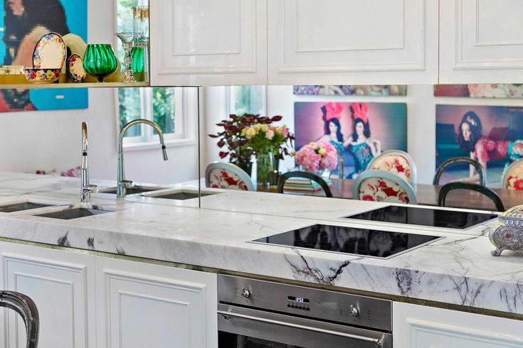 Rózsaszín romantikus álom vagy egy igazi Barbi ház?,  #álom #ausztrál #Barbi #csillár #design #fórdőszoba #ház #inspiráció #konyha #lakás #lakbernedezés #márvány #Melburne #nappali #otthon #pink #romaintika #romantikus #rózsaszin #tervező, https://www.otthon24.hu/rozsaszin-romantikus-alom-barbi-haz/