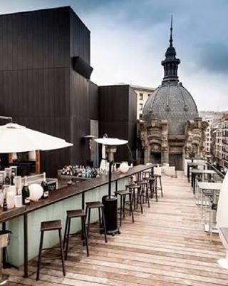 Restaurante La Terraza del  Yandiola em Bilbao, por Philippe Starck ll La Terraza del Yandiola restaurant in Bilbao, by Philippe Starck.