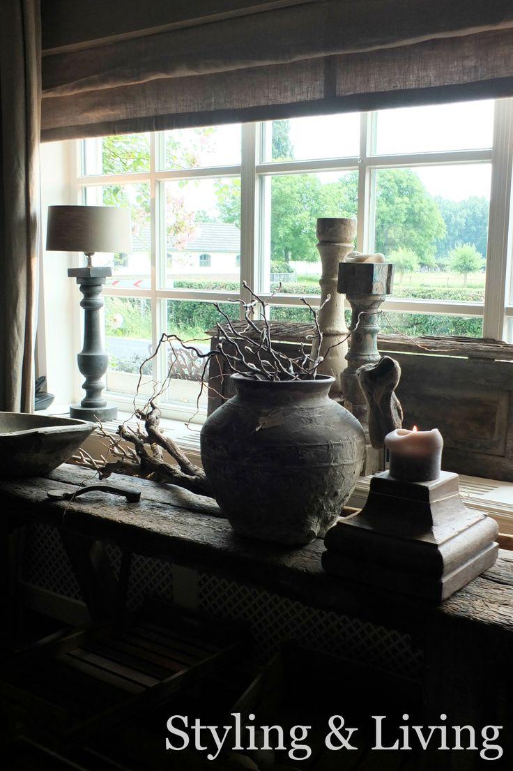 Landelijk hoekje het raam met stoere en robuuste for Landelijke accessoires