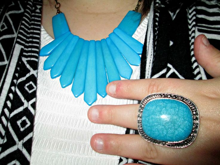 Unique Geek: Plus Size OOTD: Turquoise Accents: