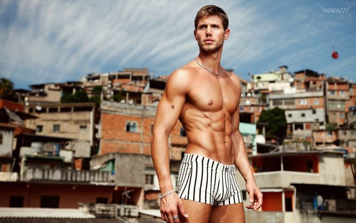 Jonas Sulzbach Toned Muscle