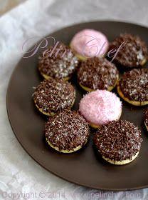 Geçen gün oğlumun çantasında arkadaşının verdiği Eti Pufu görünce karar verdim bu kurabiyeleri yapmaya. İstersen onu yeme ben sa...