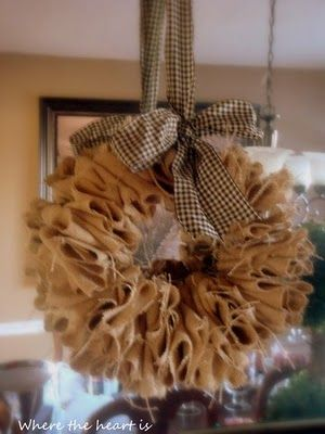 burlap wreath... easy peasy.: Diy Ideas, Easy Burlap Wreaths, Crafts Ideas, Burlap Christmas, Burlap Wreaths Tutorials, Front Doors, Wire Hangers, Burlap Bows, Fall Wreaths