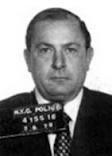 joe colombo, En 1962 tomó las riendas de la Familia PROFACI al morir JOE PROFACI de cáncer. El principal negocio radicaba en la actividad de los muelles de Brooklyn. JOSEPH COLOMBO tuvo que enfrentarse en guerra abierta a JOEY GALLO, que en 1946 se había revelado contra JOE PROFACI. En la lucha cayeron varios hombres. JOSEPH COLOMBO gozaba del apoyo de la Liga de los Derechos Cívicos Italo-Americanos, lo que encolerizó a GALLO hasta el punto de permitir que ascendiesen en la Mafia.