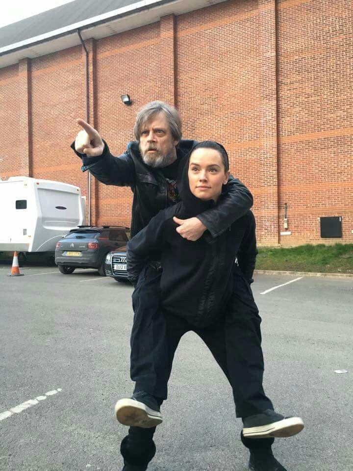 A long time ago (last week I think) In a galaxy far, far way(@PinewoodStudios ) THIS happened! Happy Birthday Daisy! Star Wars Daisy Ridley