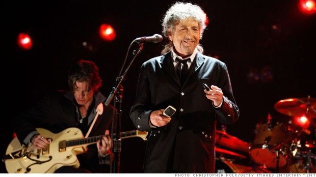Bob Dylan has a 'gift' for AARP members: Free copy of his new album