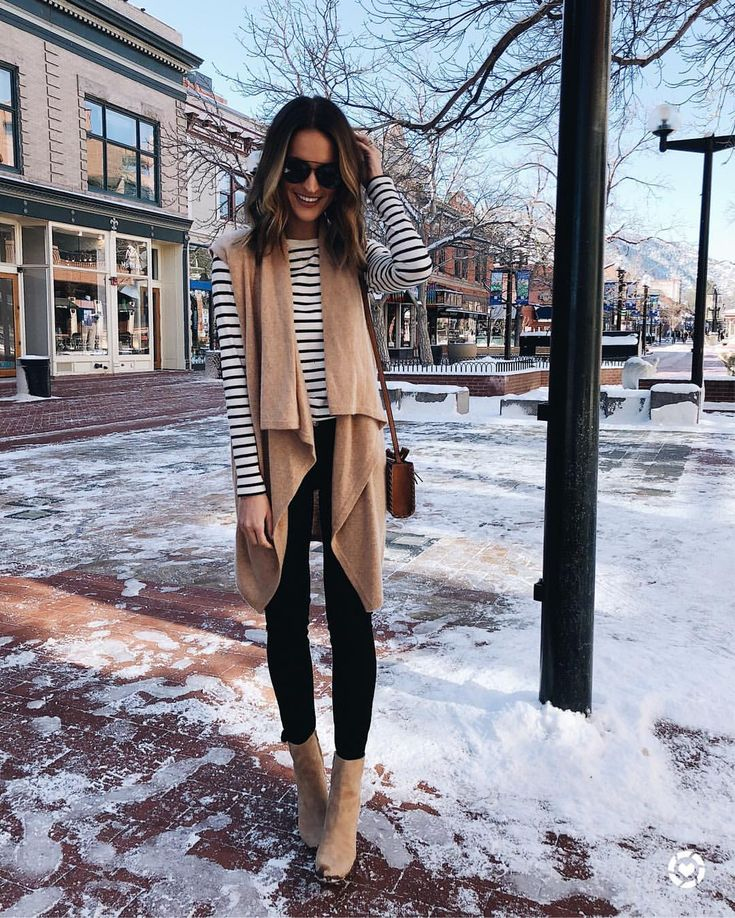 "6,662 Likes, 108 Comments – lauren kay (Lauren Kay Sims) on Instagram: ""neutral layers for church and brunch on this beautiful sunday! striped tee i…"