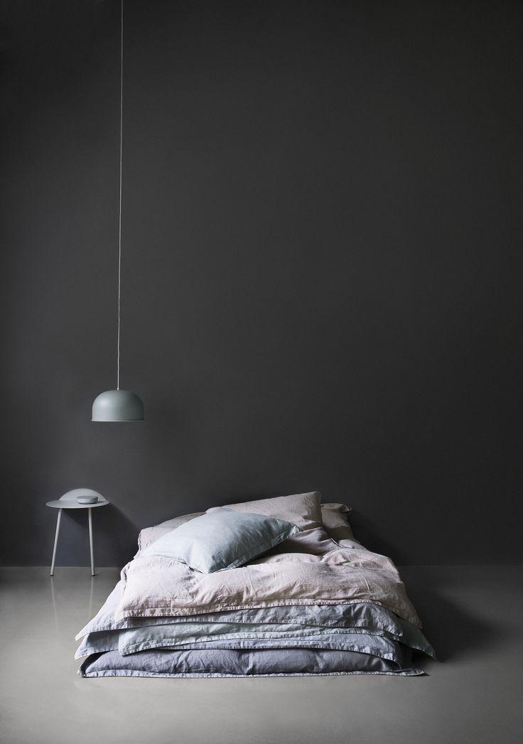 Lenjeria de pat GoodNorm combina stilul scandinav si minimalist, asigurand totodata un somn confortabil. Alege culoarea potrivita dormitorului tau si lasa-te rasfatat de bumbacul satinat de inalta calitate! #SomProduct #InspringComfort #bedsheets #bedroom