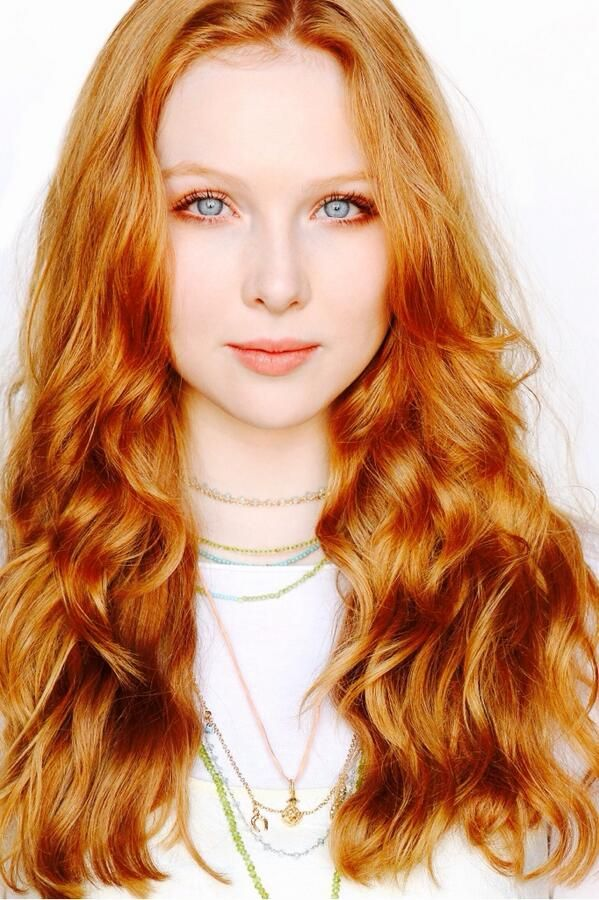 | MOLLY C. QUINN: I love that her brows are so subtle and soft. I love makeup by...Anastasia...brow duo Caramel/reddish blonde that looks natural. ❤️