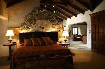 Hotel Casa Santo Domingo: Ganadores de varios premios, sus encantadores ambientes están acentuados con nuestros textiles, muebles y espectaculares acentos arquitectónicos.