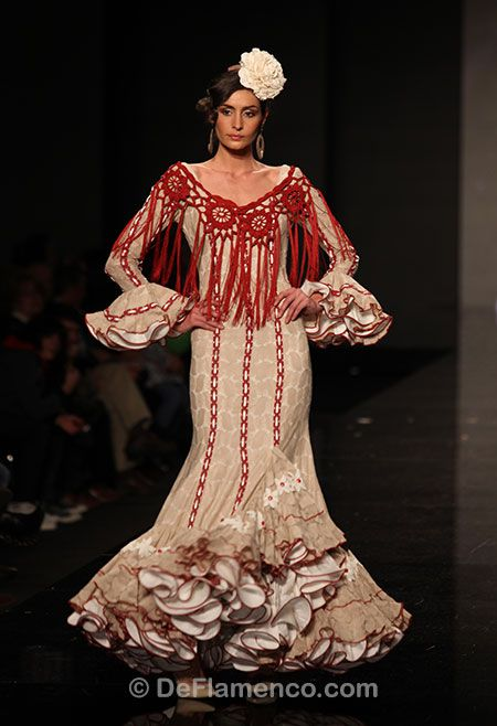 Fotografías Moda Flamenca - Simof 2013 - CARMEN VEGA Me Embrujaste - Foto 16