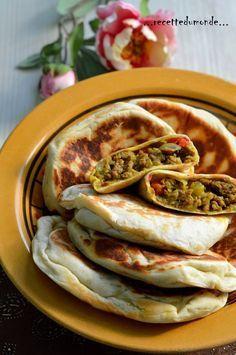Gözlem - crêpes Turc farcies kefta poivrons vert rouge persil gingembre paprika 200 g de viande hachée champignons