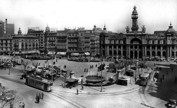 1944 se instalan en la plaza del caudillo los primeros for Oficina objetos perdidos valencia